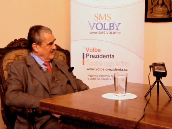 Karel Schwarzenberg odpovídá na osobní otázky pro Volba Prezidenta CZ